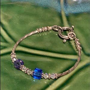 💥4/$10💥 Cute Blue & Silver Bracelet Toggle Close
